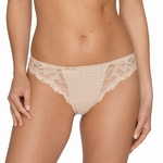 Madison Prima Donna, string met kant in caffe latte