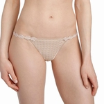 Marie Jo Avero lingerie, bijpassende smalle string, huid